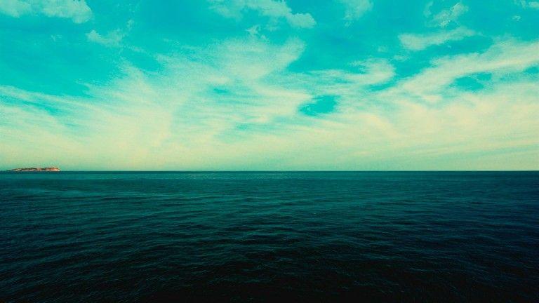 ВИндонезии перевернулось судно смигрантами, неменее 20 погибших