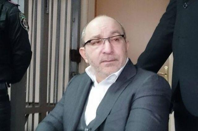 Судебное совещание поделу Кернеса вПолтаве перенесли: подсудимому сделали еще одну операцию