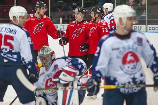Хоккеисты нижегородского «Торпедо» обыграли новокузнецкий «Металлург» срезультатом 4:2