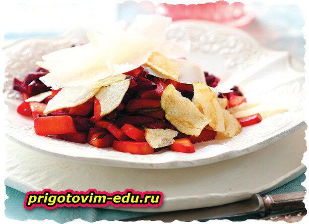 Салат из тыквы и свеклы с бальзамиком и ароматным сыром