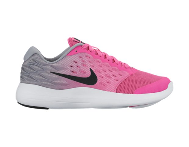 Nike Lunar Stelos The shoe with an offset of 100mm and weight of 7.7 ounces, is a comfortable shoe w
