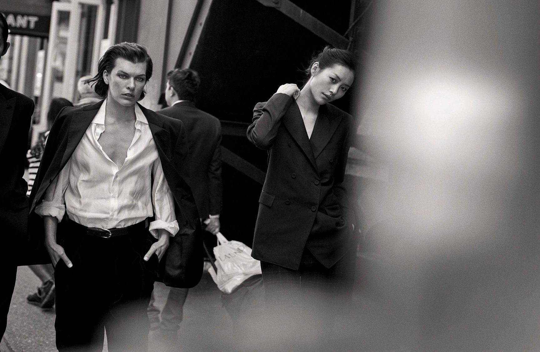 Milla Jovovich, Liu Wen - Walking by Peter Lindbergh - Vogue Italia october 2016