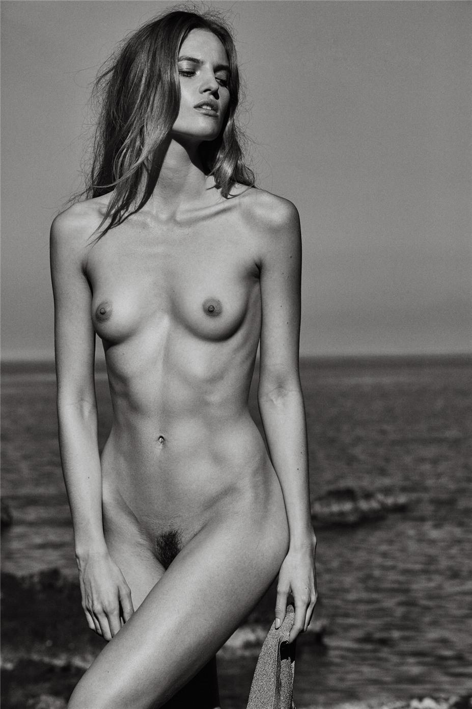 Обнаженные девушки на пляжах Ибицы / Ibiza Nudes by Diane Betties - Folke