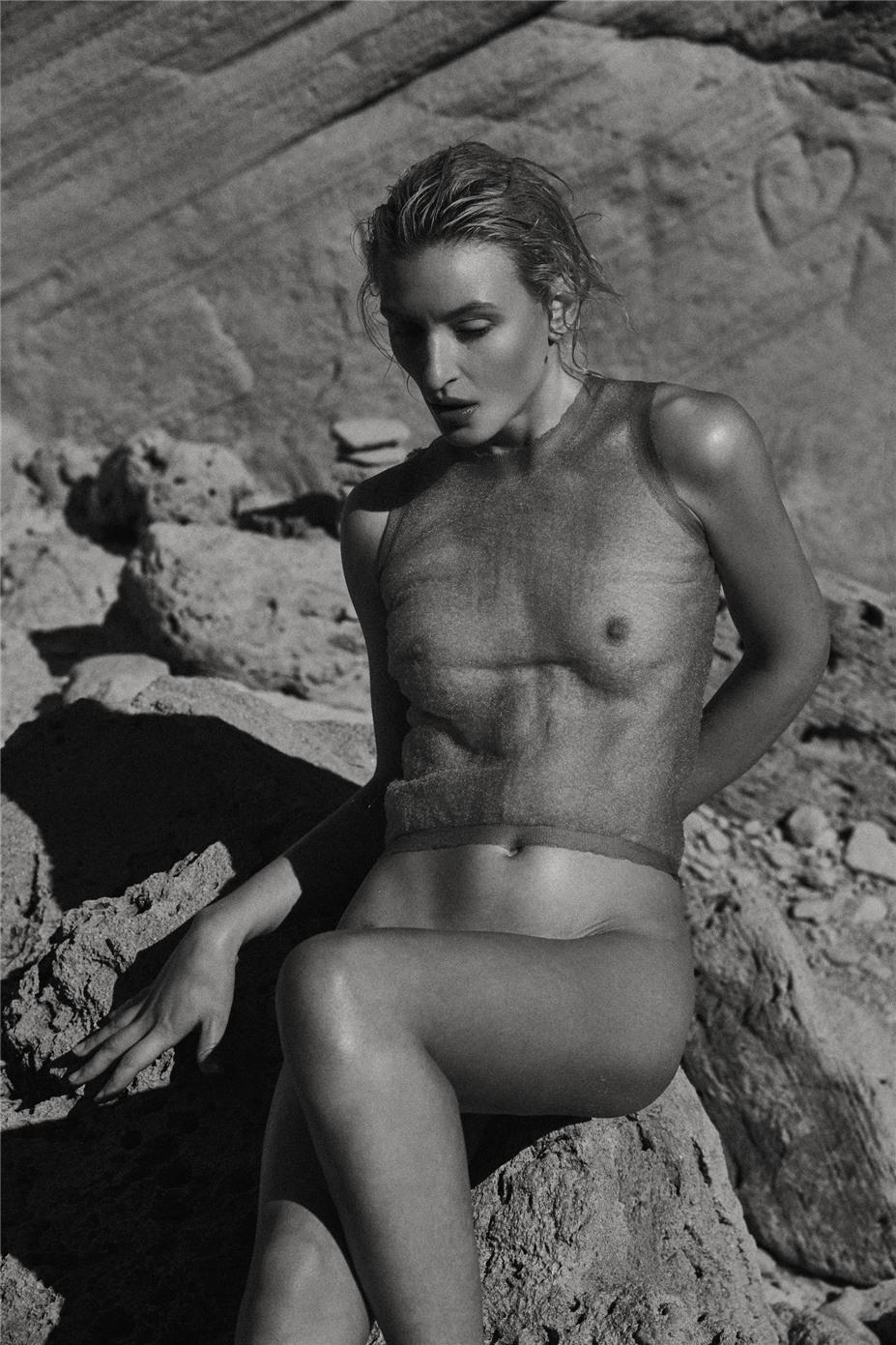 Обнаженные девушки на пляжах Ибицы / Ibiza Nudes by Diane Betties - Maggie