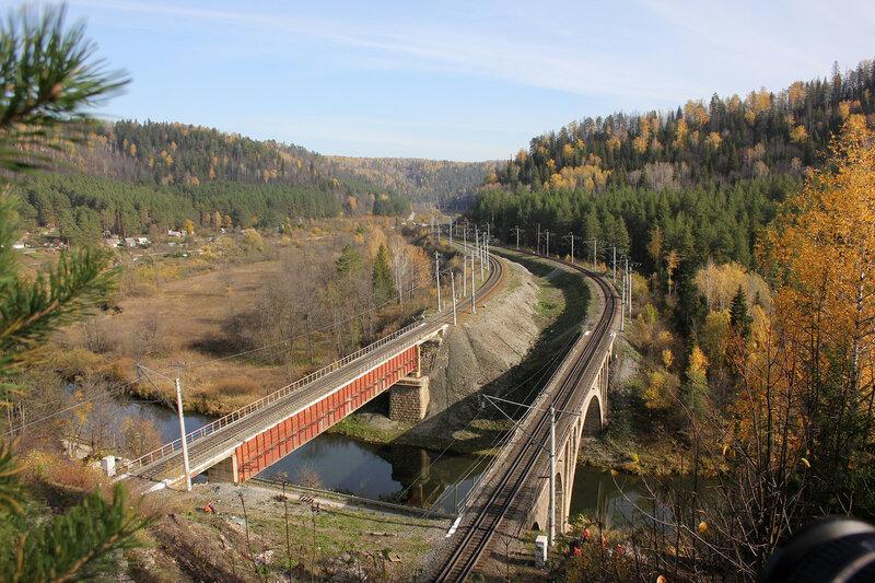 В ожидании поезда на перегоне Биянка - Симская, мосты через реку Сим