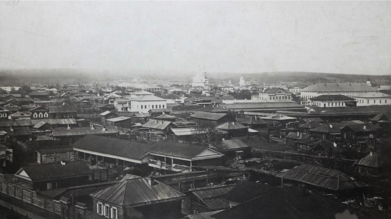 Вид с колокольни Благовещенской церкви от здания гимназии до 1-ой полицейской части