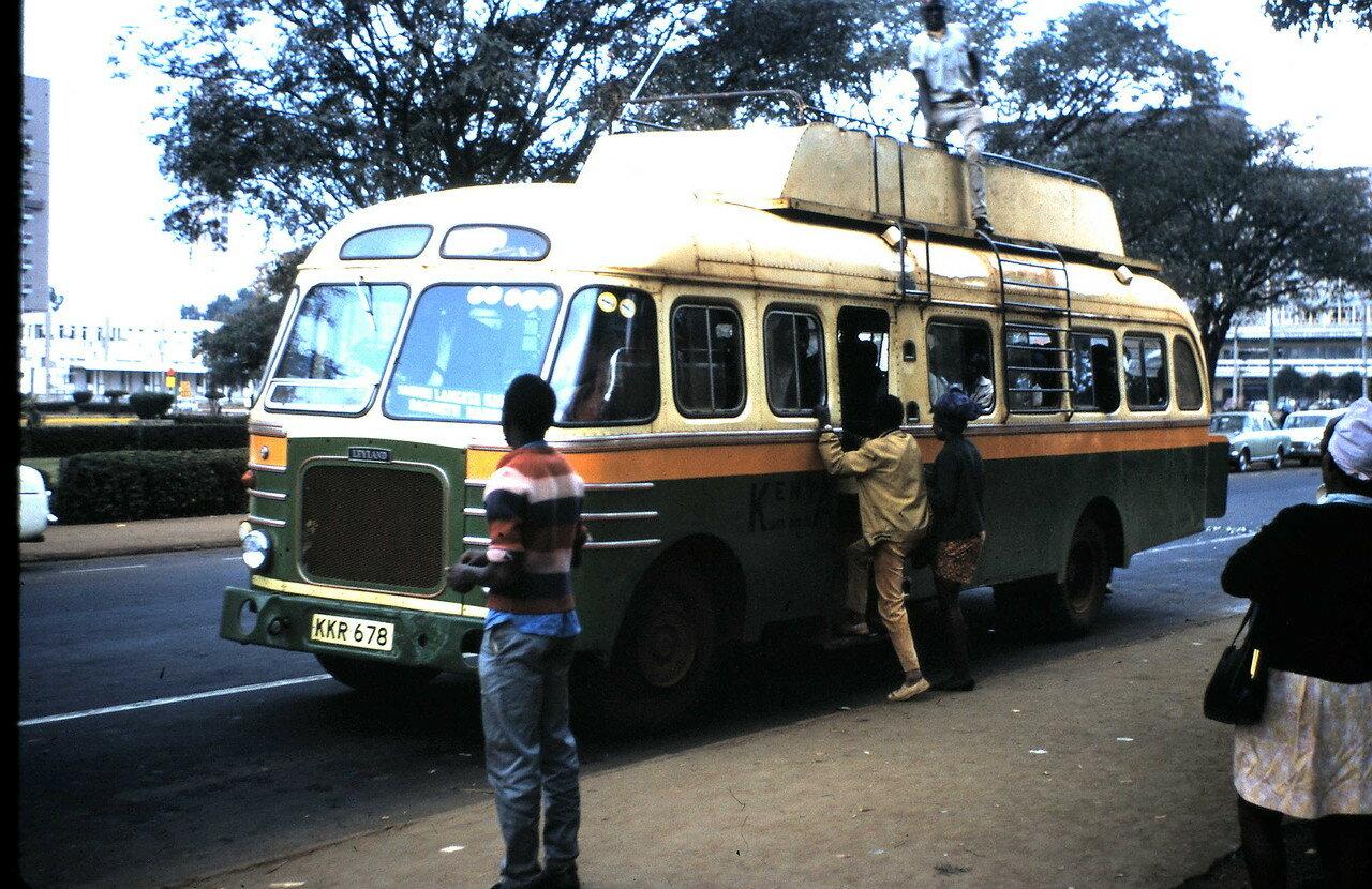 10 августа. Найроби (Кения) Местный автобус