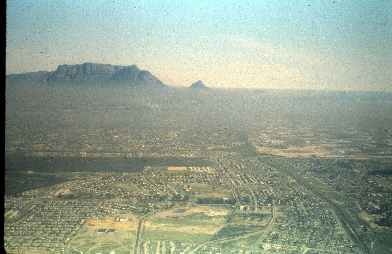 19 августа. Кейптаун и Столовая гора во время полета из Кейптауна в Йоханнесбург (ЮАР)