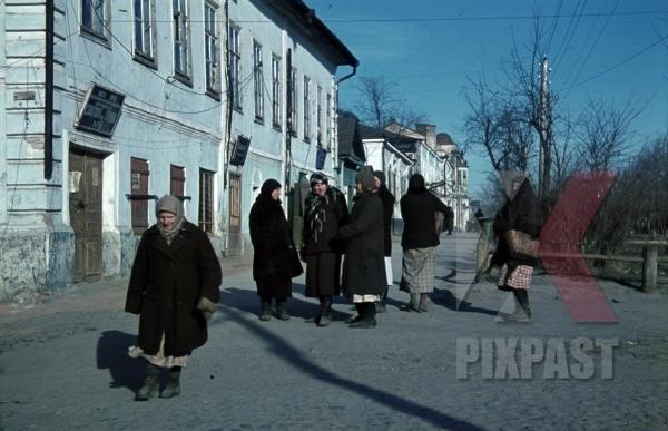 stock-photo-ochtyrka-ukraine-ul-oktyabrskaya-centre-of-ochtyrka-1941-94-infantry-division-meissen-signal-corp-summer-12037.jpg