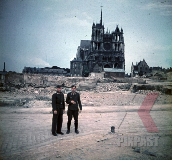 stock-photo-destroyed-cathedral-in-amiens-france-1940-9724.jpg