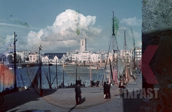 stock-photo-market-french-fishing-town-la-rochelle-france-1940-occupied-by-german-forces-12290.jpg