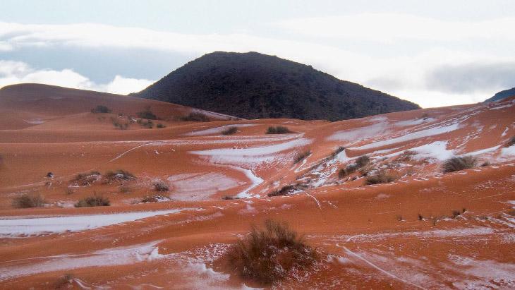 2. Алжирский город Айн-Сефра, возле которого сделаны снимки, известен как «Ворота пустыни».
