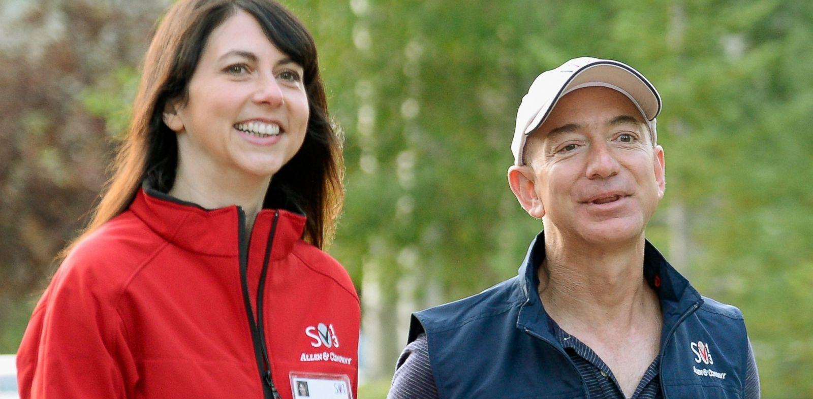 Джефф и Маккензи Безос Состояние Джеффа, основателя Amazon, на ноябрь 2016 года оценивается в более