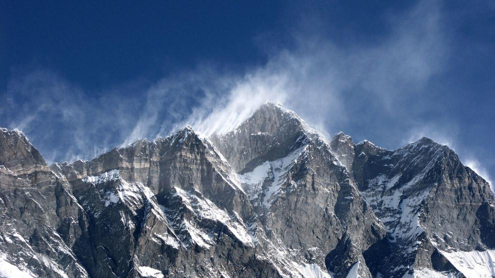 № 3. Канченджанга (Гималаи) — 8586 метров. Канченджанга занимает третью строчку в рейтинге самы