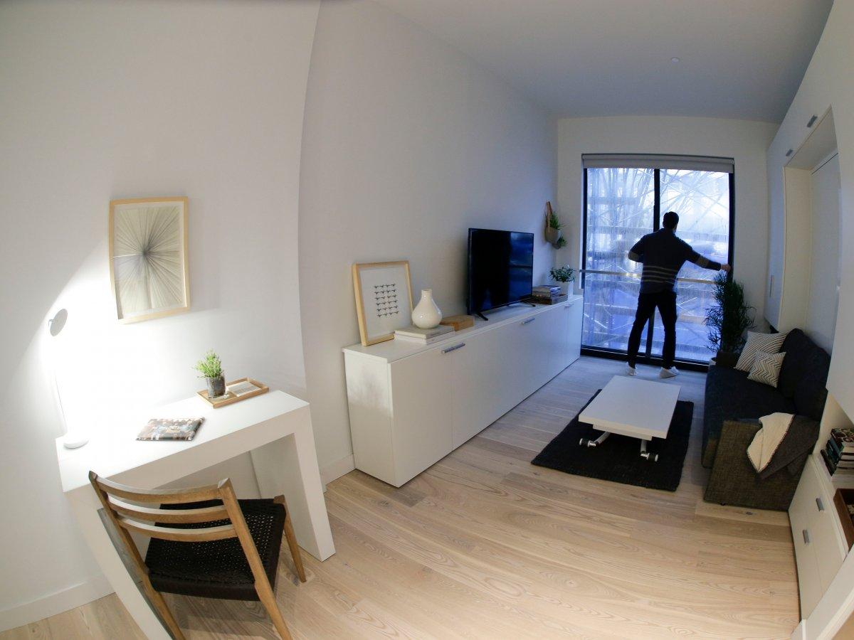 Современный дизайн, удобные системы хранения, встроенные в стену кровати: стоимость месячной аренды