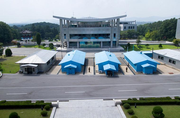 Будучи в Южной Корее, важно учитывать особенность отношений Юга с Северной Кореей. В южной части стр