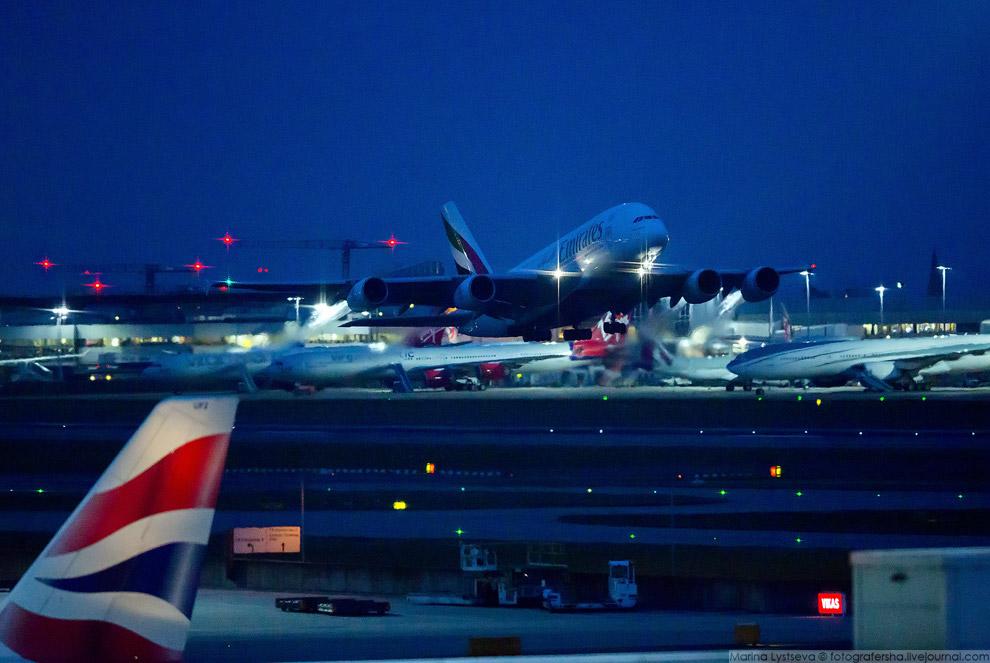 14. Самый короткий рейс на А380 выполняется из Дубая в Доху (час), а самый длинный из Дубая в О