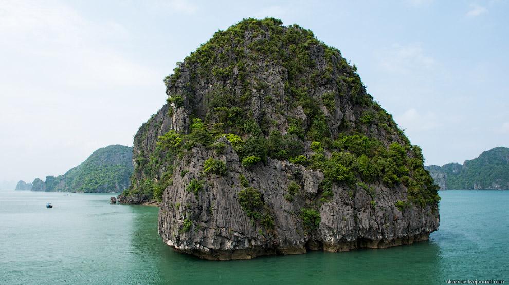 На окружающие скалы можно смотреть бесконечно!