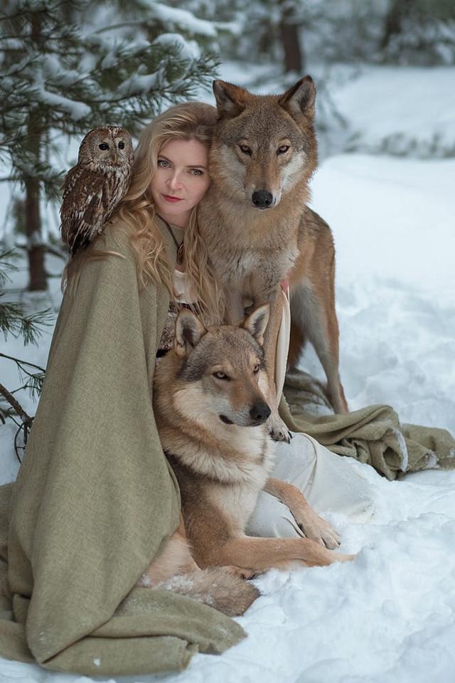 Ольга говорит, что невозможно совместить Степана с другими животными. К примеру, волки могут принять