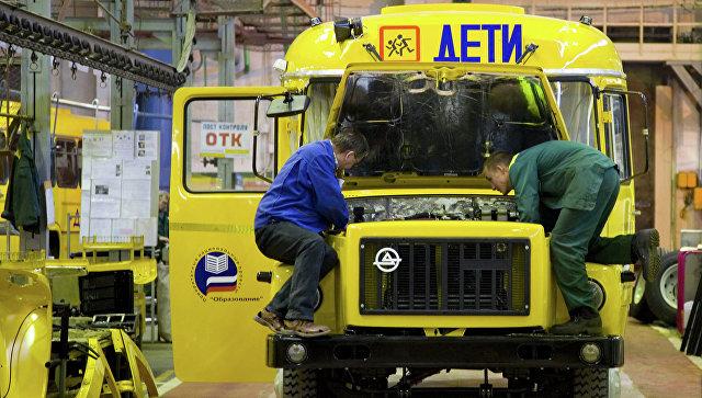 Медведев выделил средства назакупку «скорых» ишкольных автобусов