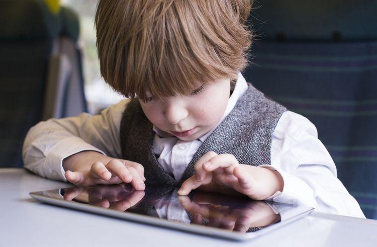 Негативное воздействие девайсов насон детей доказали ученые