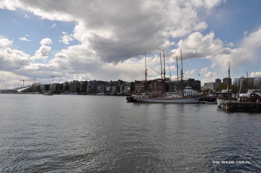 Вид на бухту от Замка Акерсхус