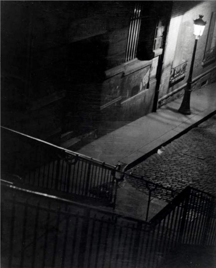1930. Парижская улица