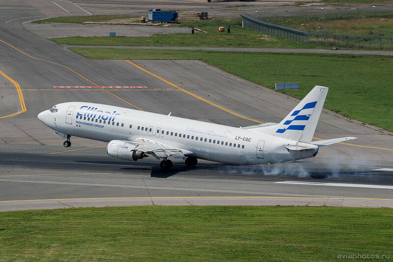 Boeing 737-4Y0 (LY-CGC) Ellinair D805291