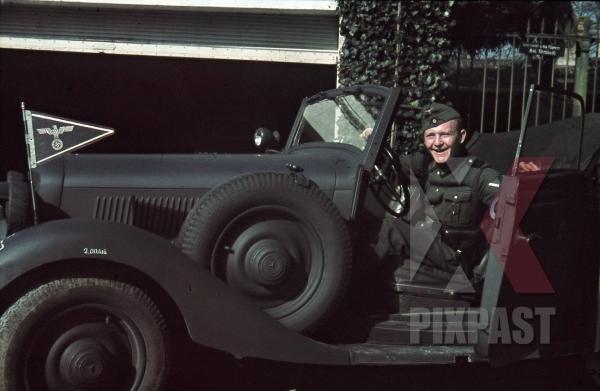 stock-photo-german-army-mercedesbenz-staff-car-in-france-1940-4th-panzer-division-commander-unit-flag-8729.jpg