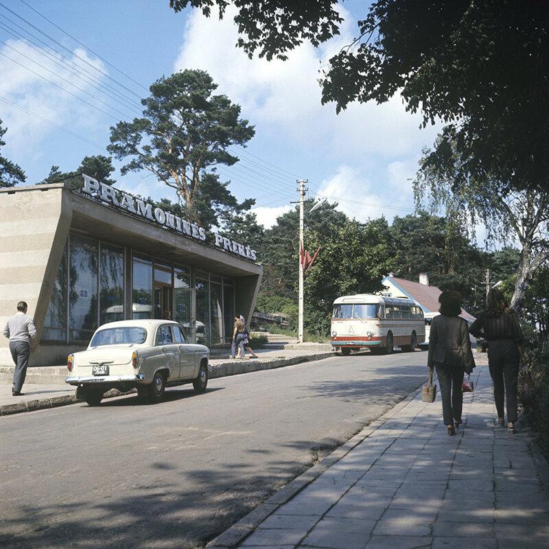 1971 Одна из улиц курортного литовского поселка Нида. К.Каспиев, РИА Новости.jpg
