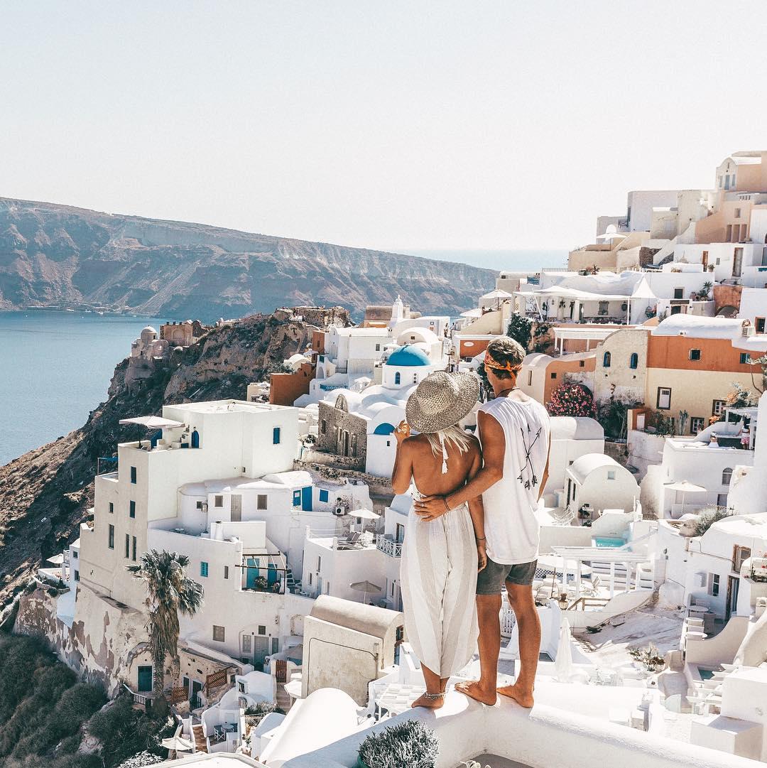 Чистильщик ковров бросил работу и зарабатывает шестизначные суммы путешествуя по миру