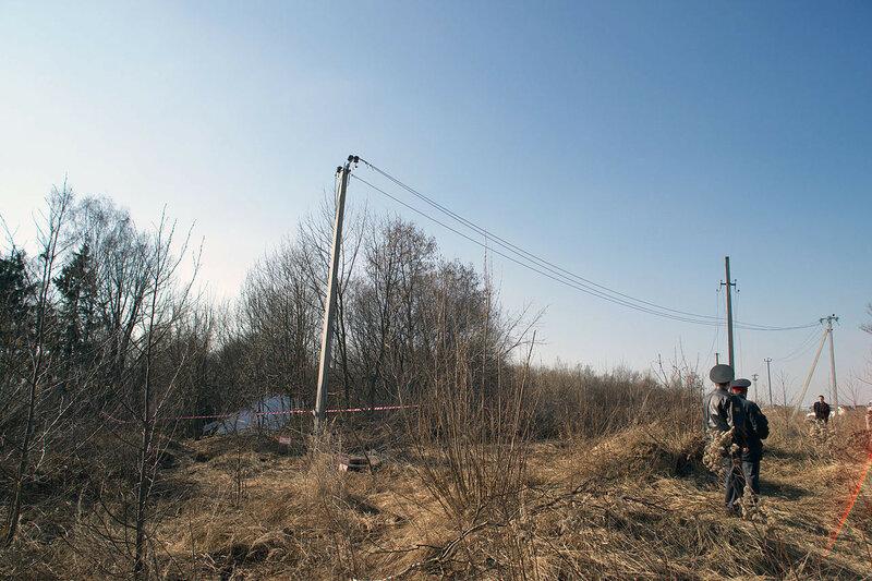 1280px-Tu-154-crash-in-smolensk-20100410-03.jpg