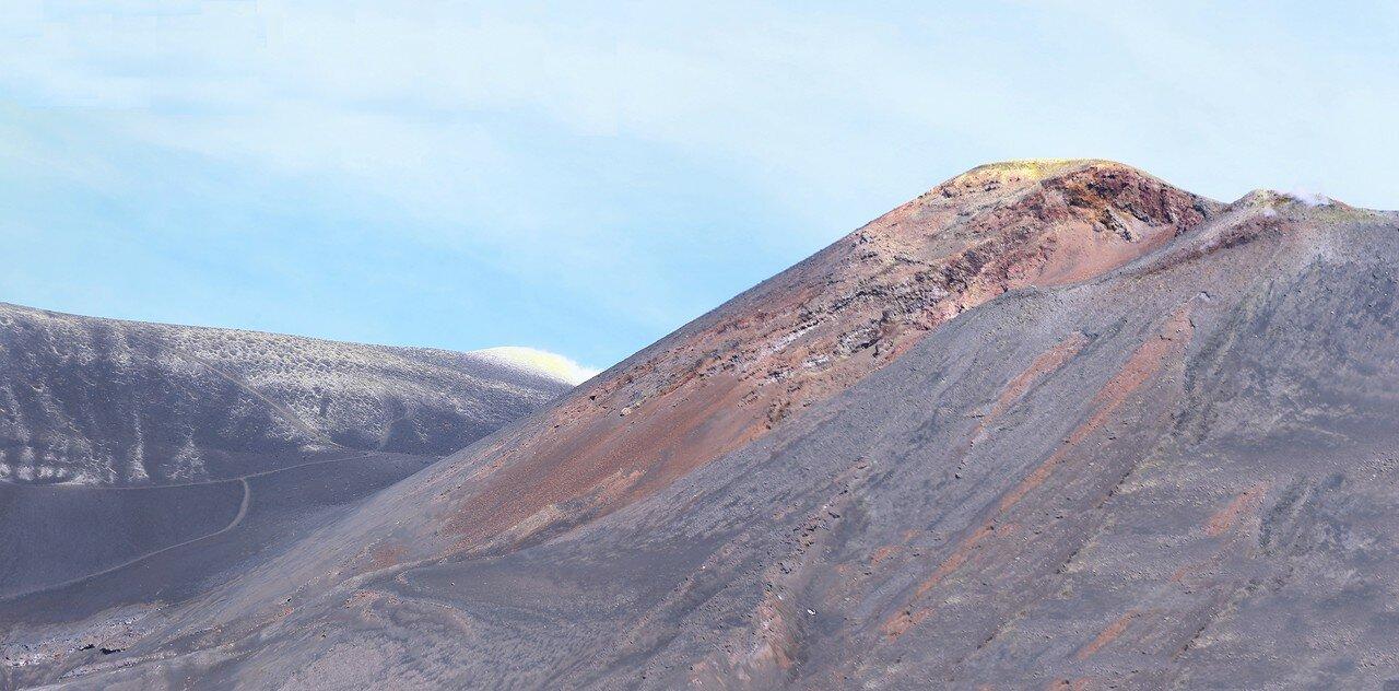 Этна. Башня Философов (Torre-del-Filosofo), южные кратеры