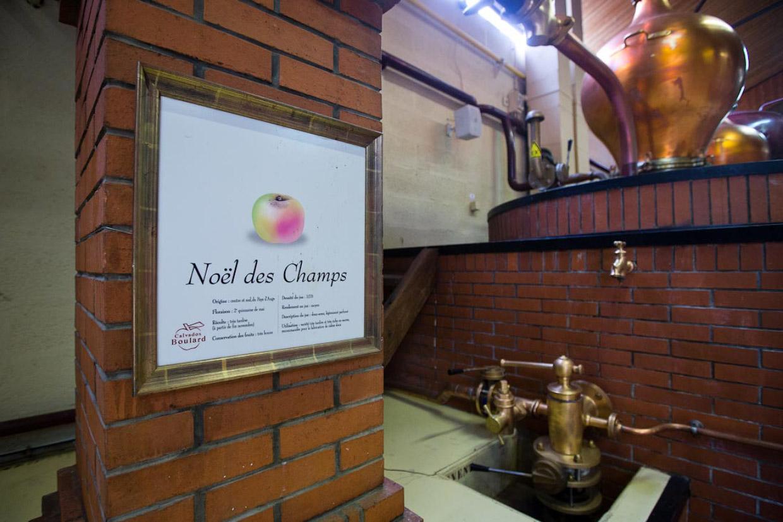 14. Как и в истории с коньяком, после того, как яблочный спирт приготовлен, в дело вступает основной