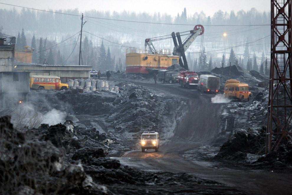 21. Добыча угля в провинция Шаньси, Китай, 27 октября 2009. (Фото Reuters | Stringer):
