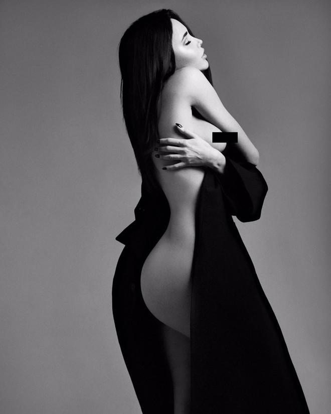 Девушка Тимати Анастасия Решетова снялась в эротической фотосессии