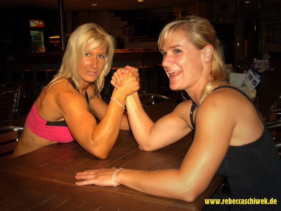 Сильные девушки