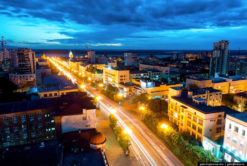 10. Улица Муравьёва-Амурского протянулась на полтора километра с северо-востока на юго-запад и