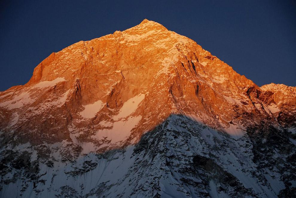 № 4. Лхоцзе (Гималаи) — 8516 метров Лхоцзе — четвертая по высоте вершина в мире, высотой 8516 м