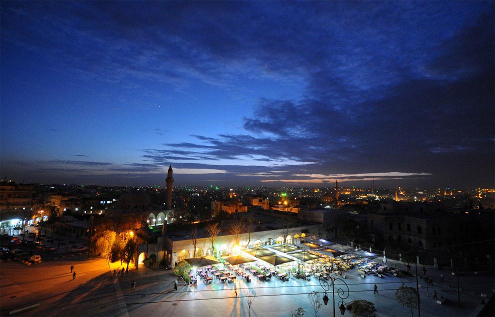 8. Еще несколько фотографий Алеппо, которого больше нет. Великая мечеть Алеппо, 6 октября 2010. (Фот