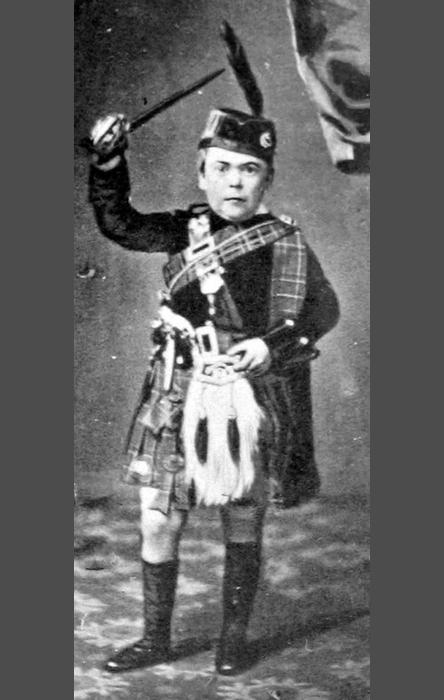 Генерал Том-Там в возрасте 23 лет.  Финеас Тейлор Барнум (Phineas Taylor Barnum), основатель