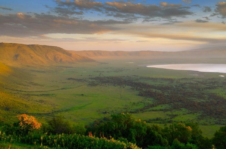 Еще одна экстрим-точка на карте Африки — Танзания. Эта жаркая страна, расположившись в восточн