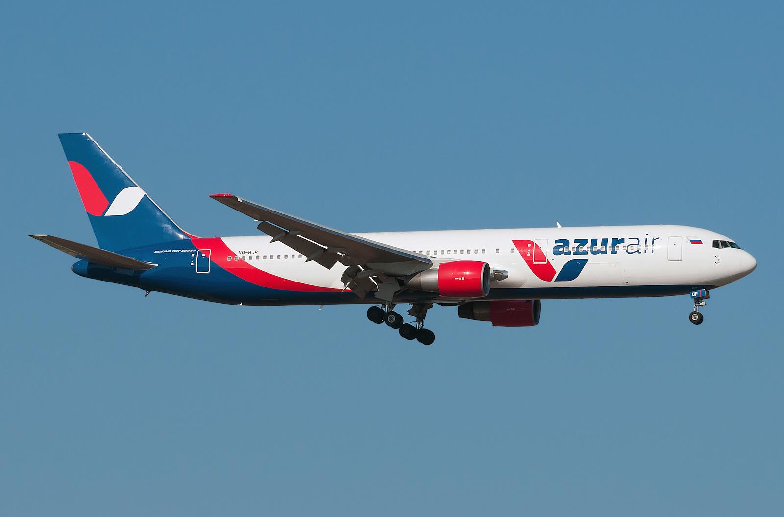 Над Москвой кружит самолет снеисправным мотором