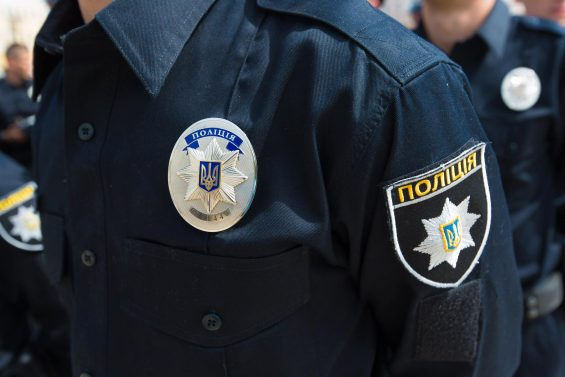 Животные инстикты: вЧерновцах прежний милиционер покусал патрульных