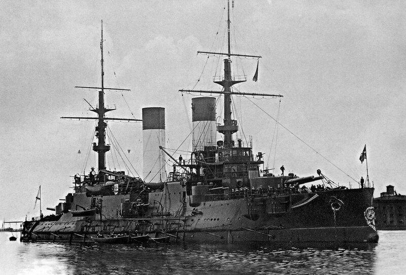 Эскадренный броненосец «Император Александр III». 1904 г.
