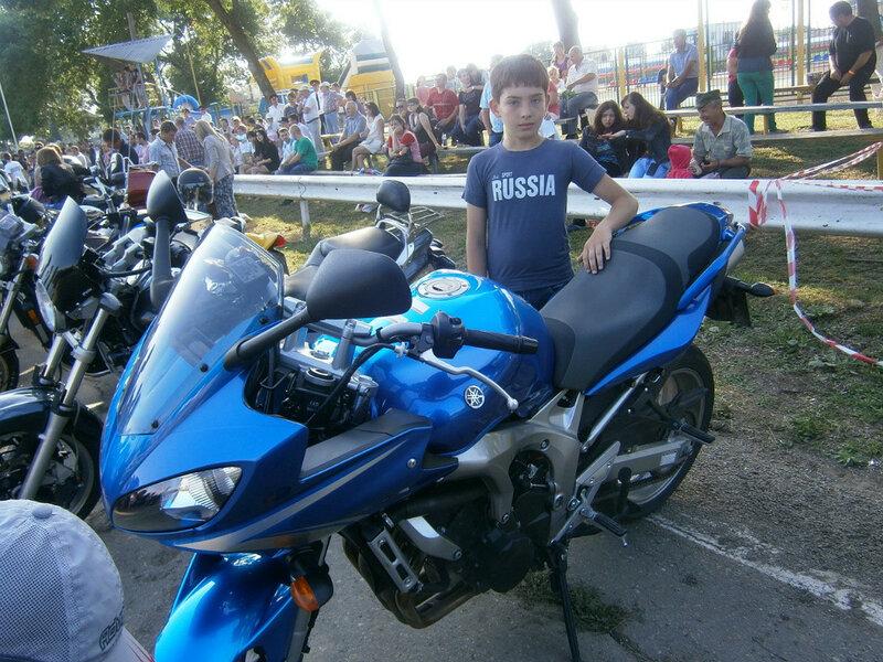 Люди и мотоциклы
