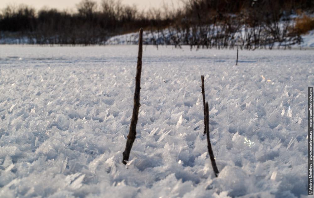 ледяные образования на озере Боевка