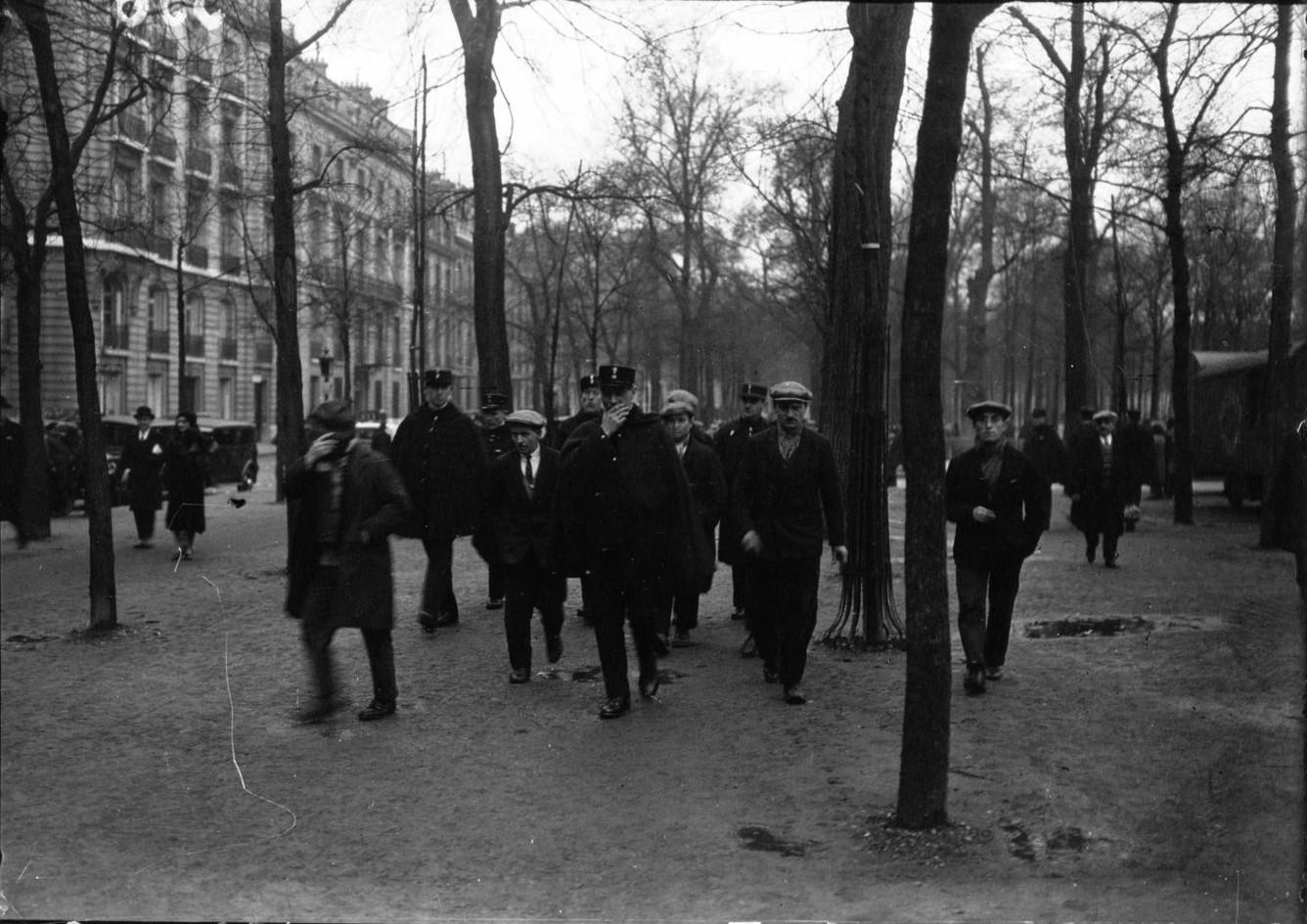 Арест протестующих против безработицы. Набережная Орси
