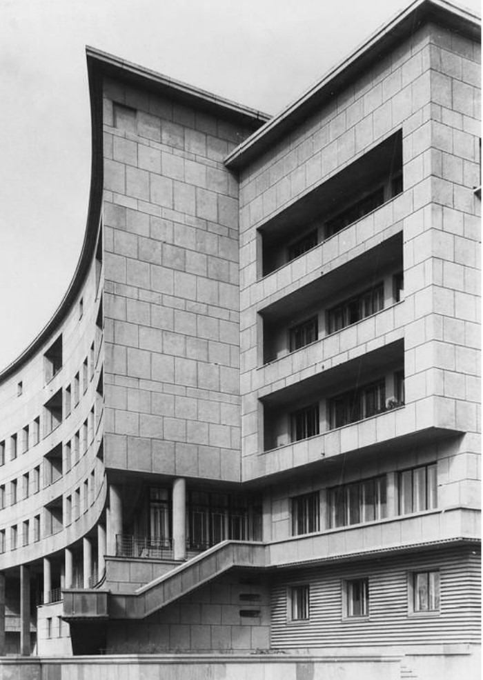 Жилой дом на Карповке. Внешний вид, боковой вход, деталь. (1931-1935)