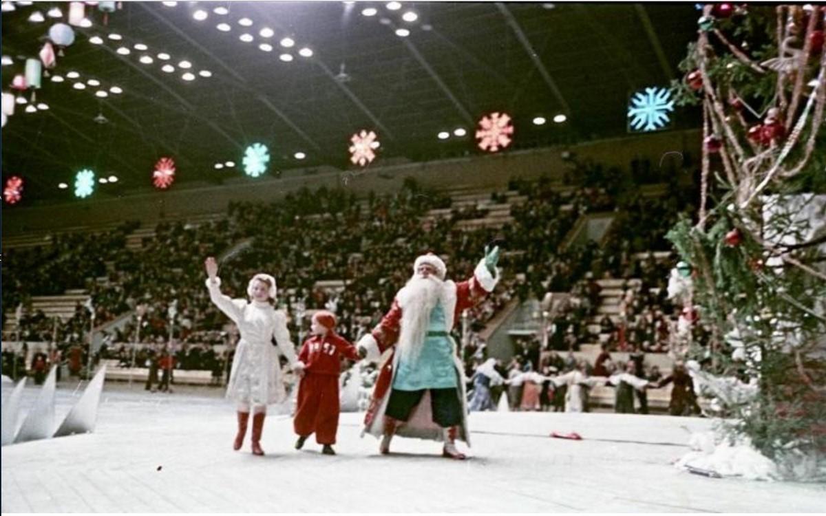 1953. Празднование Нового 1957-го года на стадионе «Лужники»